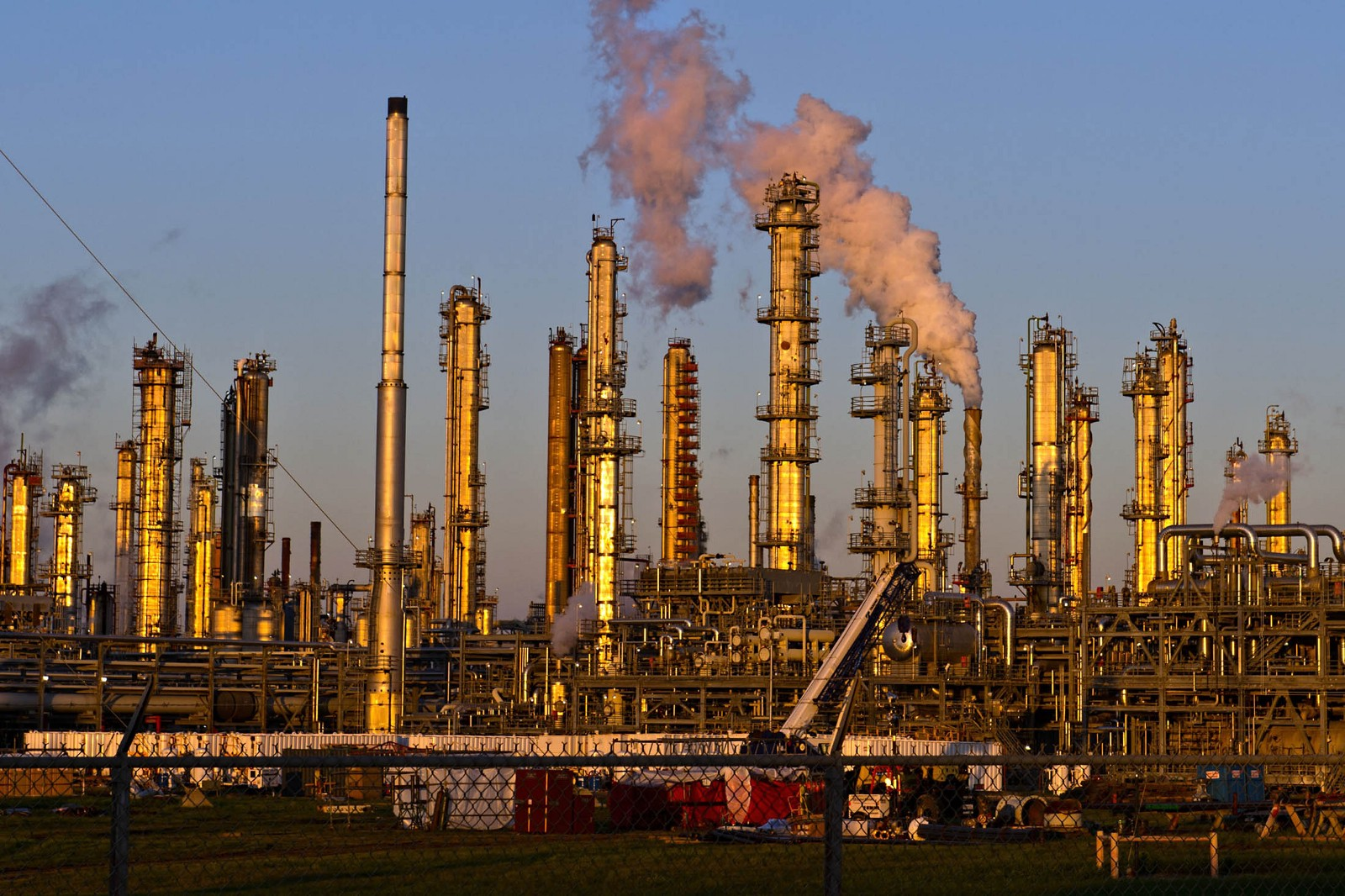 How the U.S. became an oil-producing powerhouse
