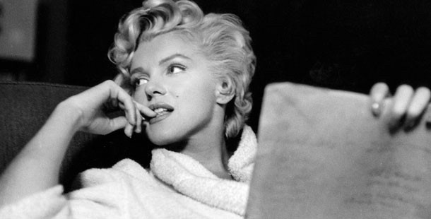 Marilyn Monroe looking away
