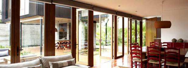 window repair chicago coralbrowne when you find any issues with your windows trying to fixing them on own save money is not always good decision in terms of safety and comfort top reasons consider wood window repair chicago