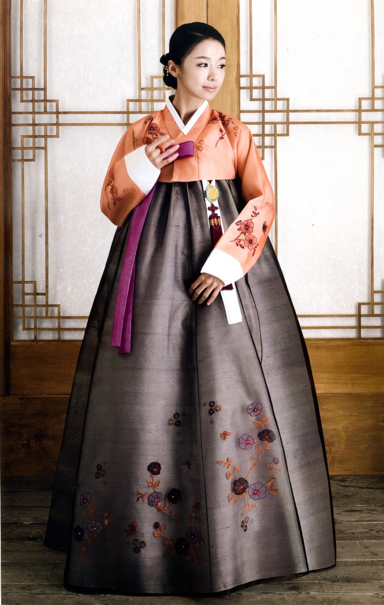 The Women S Hanbok Consists Of Chogori Or Top And A Full Flared Skirt Called Chima