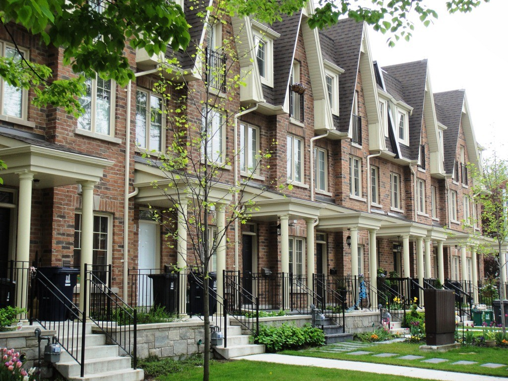 townhouses-in-Toronto