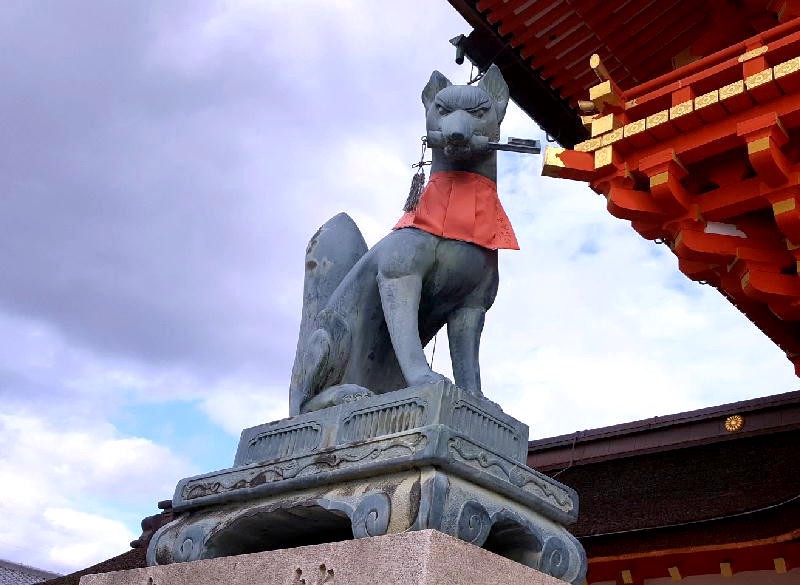 Guardian Fox with a Key in his Mouth at Fushimi Inari Shrine in Kyoto