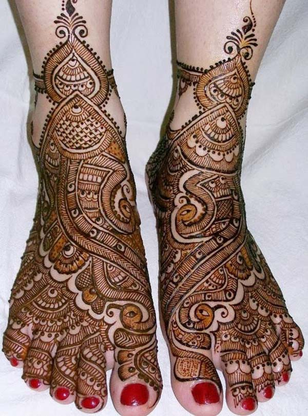 Traditional Indian Mehndi Designs For Your Wedding Day