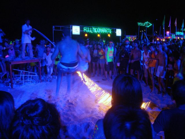 Party on at the best beaches in Goa for nightlife
