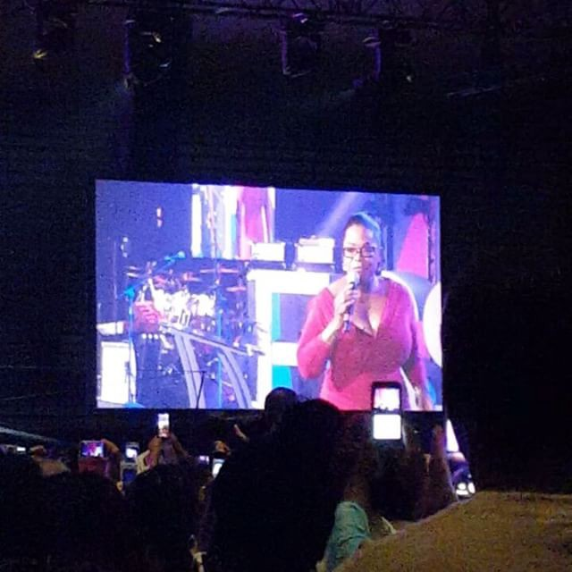Just been blessed with a word from Oprah. She shared how she turned #lemons2lemonade by surrendering and being intentional. #goals #majorkeyalert #EssenceFest #phenomenalwoman