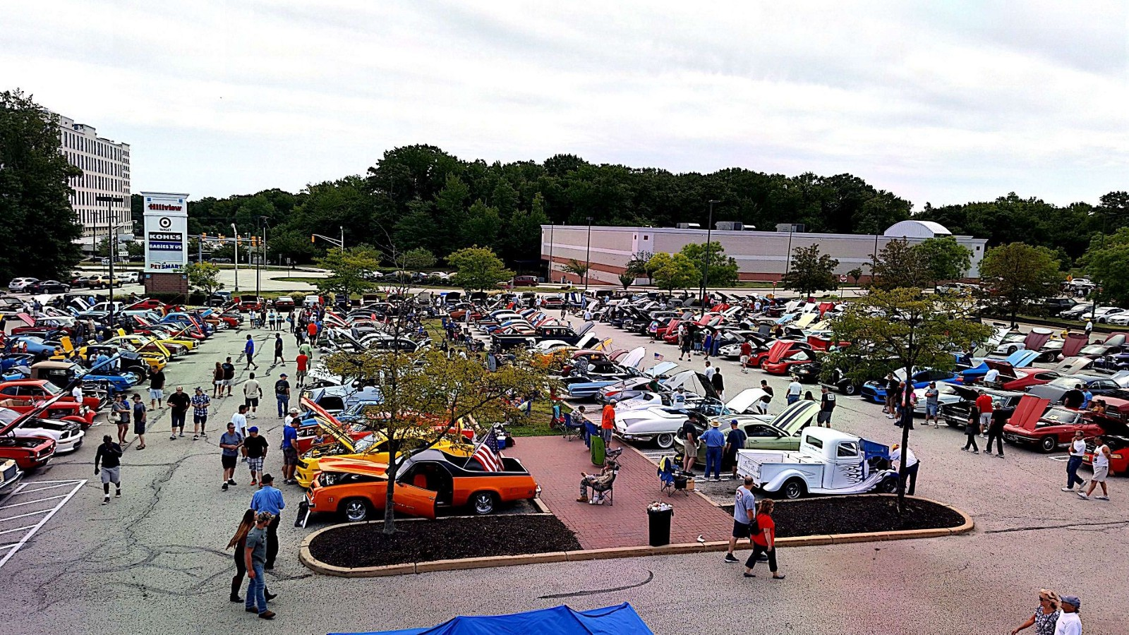 Labor Day Car Show Taking Place At Silver Diner Next Week - When is the next car show