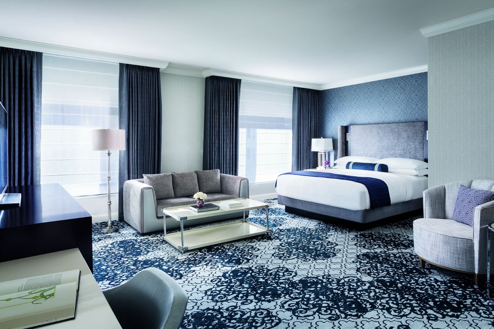 Hotel Interior Design Pschology of Color | Fohlio | blue | Ritz Carlton