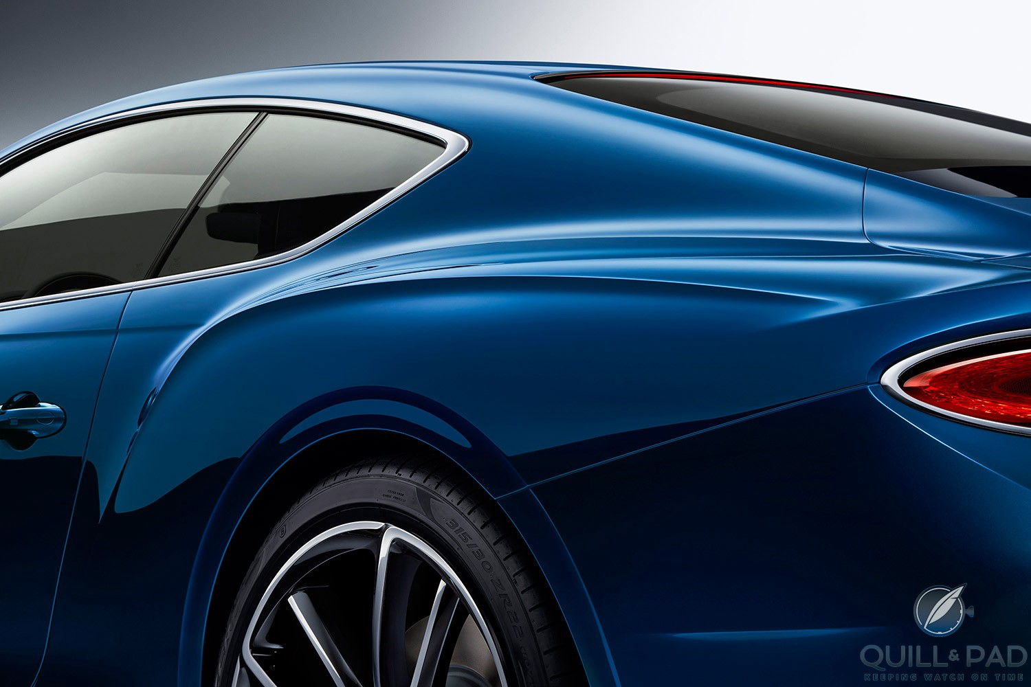 Athletic flanks on the Bentley Continental GT 2018