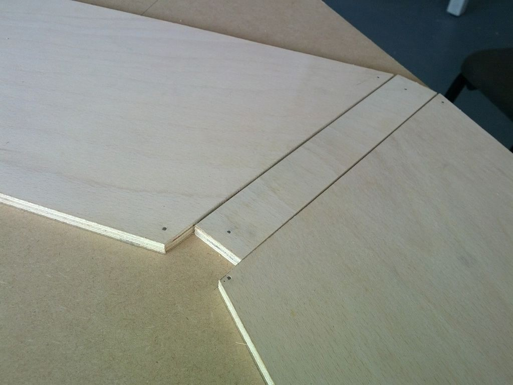 Position dividers with lighting space.