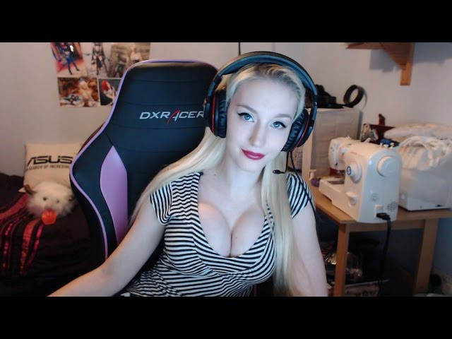 Top 5 Worst Booby Streamers Most Ridiculous  Worst -7433