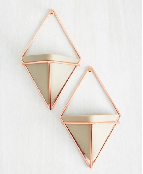 EXEMPLARY CONTEMPORARY WALL VASE SET IN ROSE GOLD