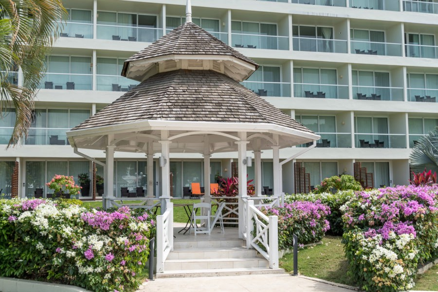 Moon-Palace-Jamaica-Grande-wedding gazebo