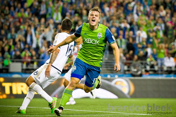 After everything you'd want a forward to do except for score, Jordan Morris finally notched his first in the 71st minute. In a play eerily similar to those that made him so feared in college the rookie made a smart, diagonal run and was rewarded with a great pass that he quickly taped past keeper.