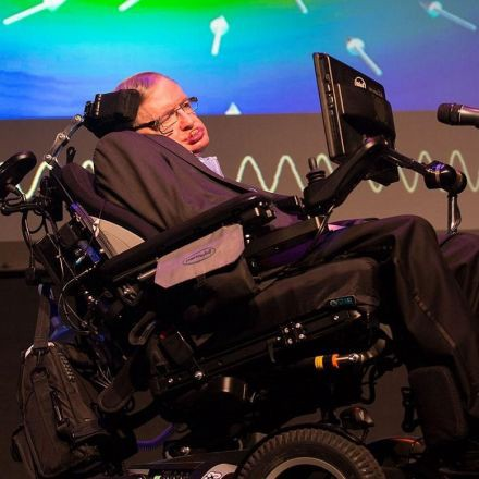 Stephen Hawking is working on spacecraft that could travel to 'Second Earth' in 20 years