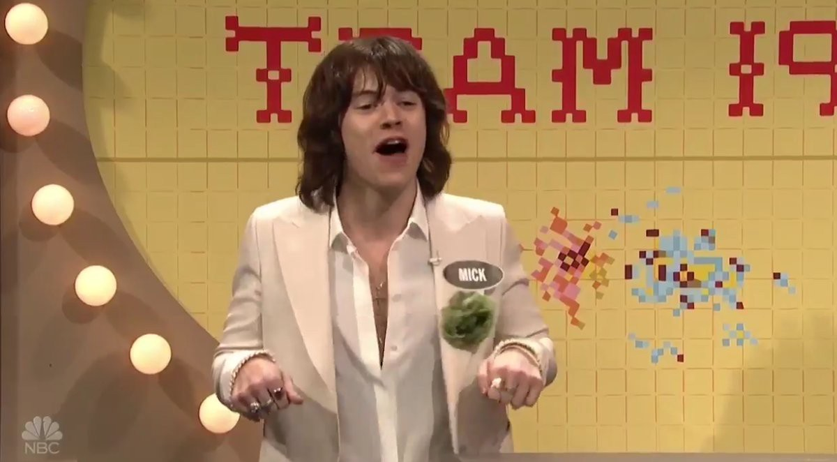 OMFG how amazing was Harry Styles' Mick Jagger impression on #SNL ??
