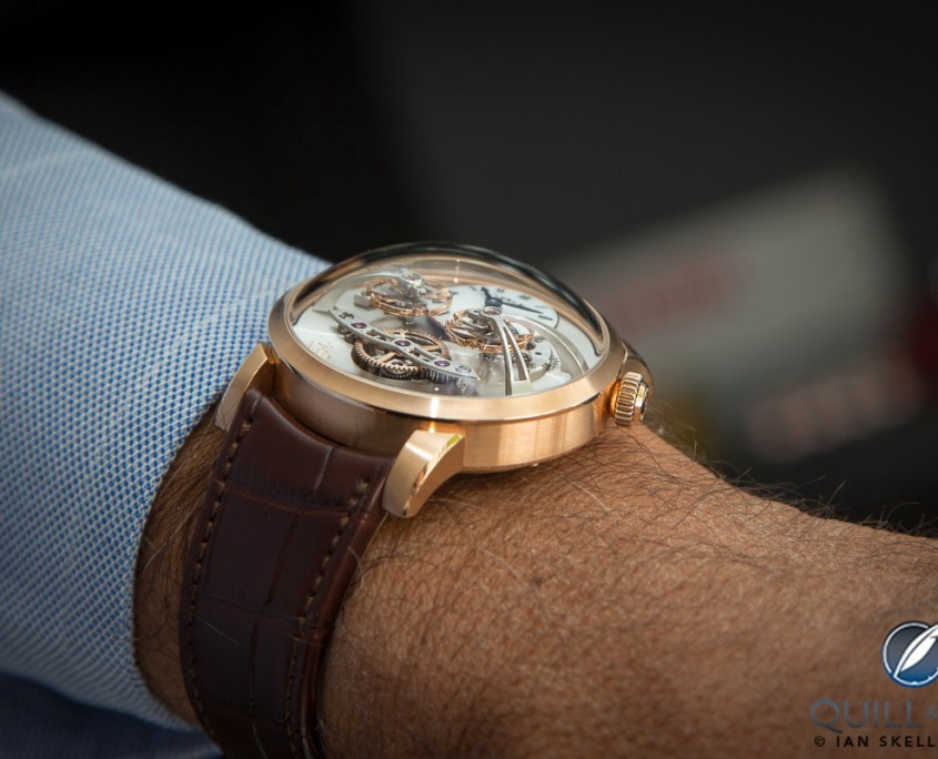 Wristshot MB&F LM2 in red gold