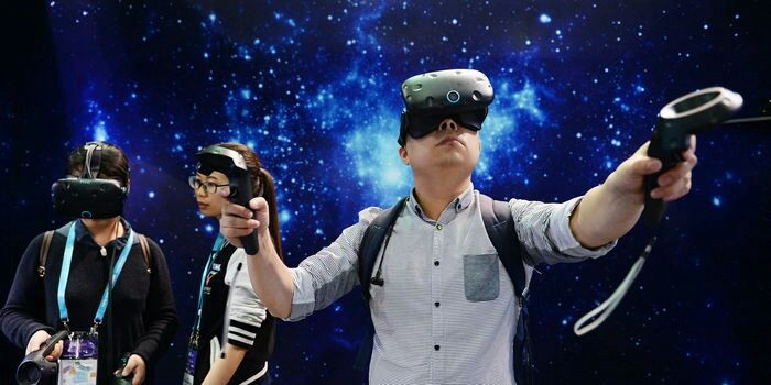 Enjoy Bumping into Furniture and Commuters? Try Virtual-Reality Goggles  #vr