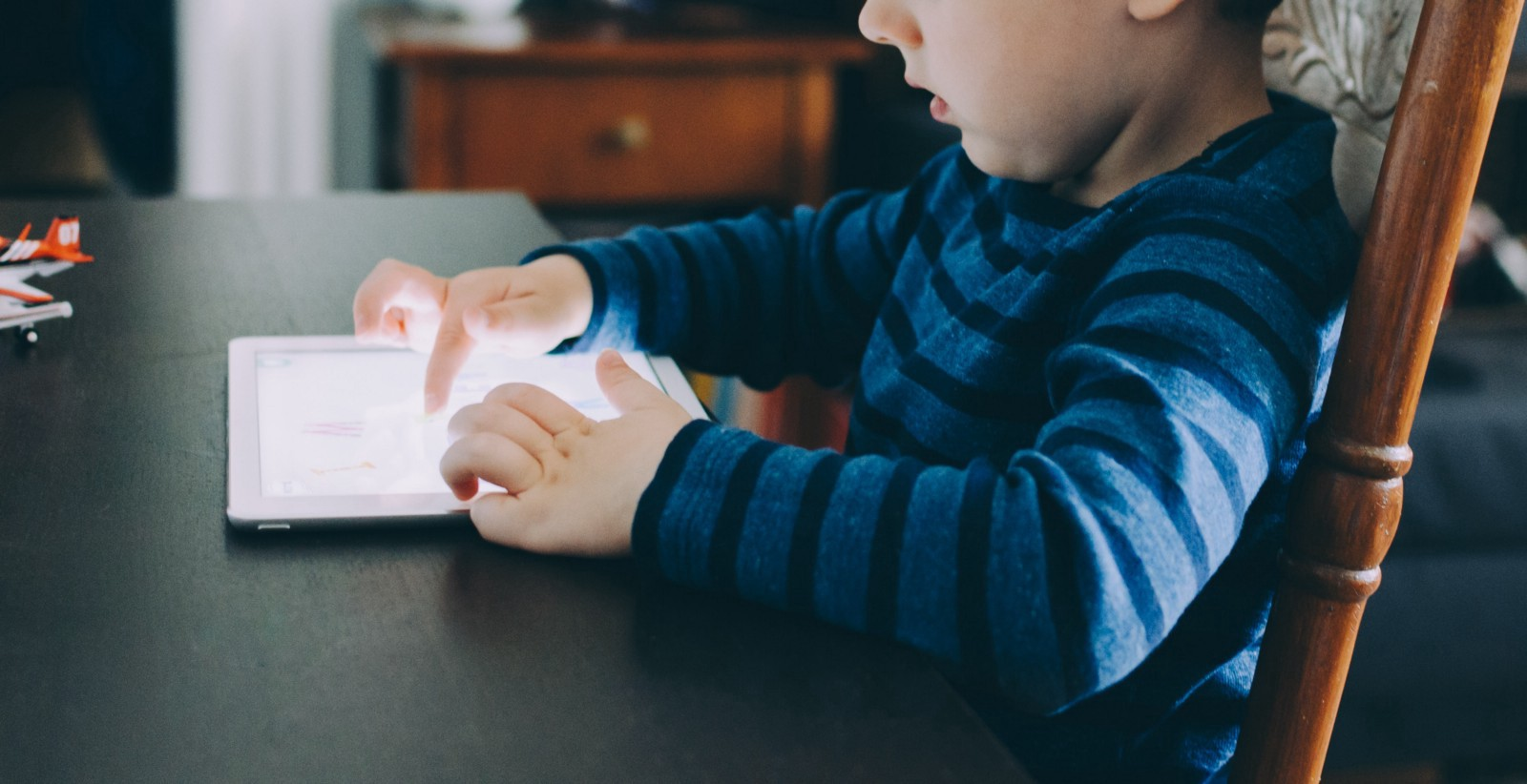 Baby and TV: 7 habits of correct viewing