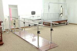Bar track walk physiotherapy unit for rehabilitation