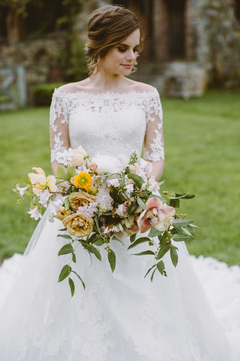 wild bouquet - http://ruffledblog.com/modern-country-meets-secret-garden-wedding