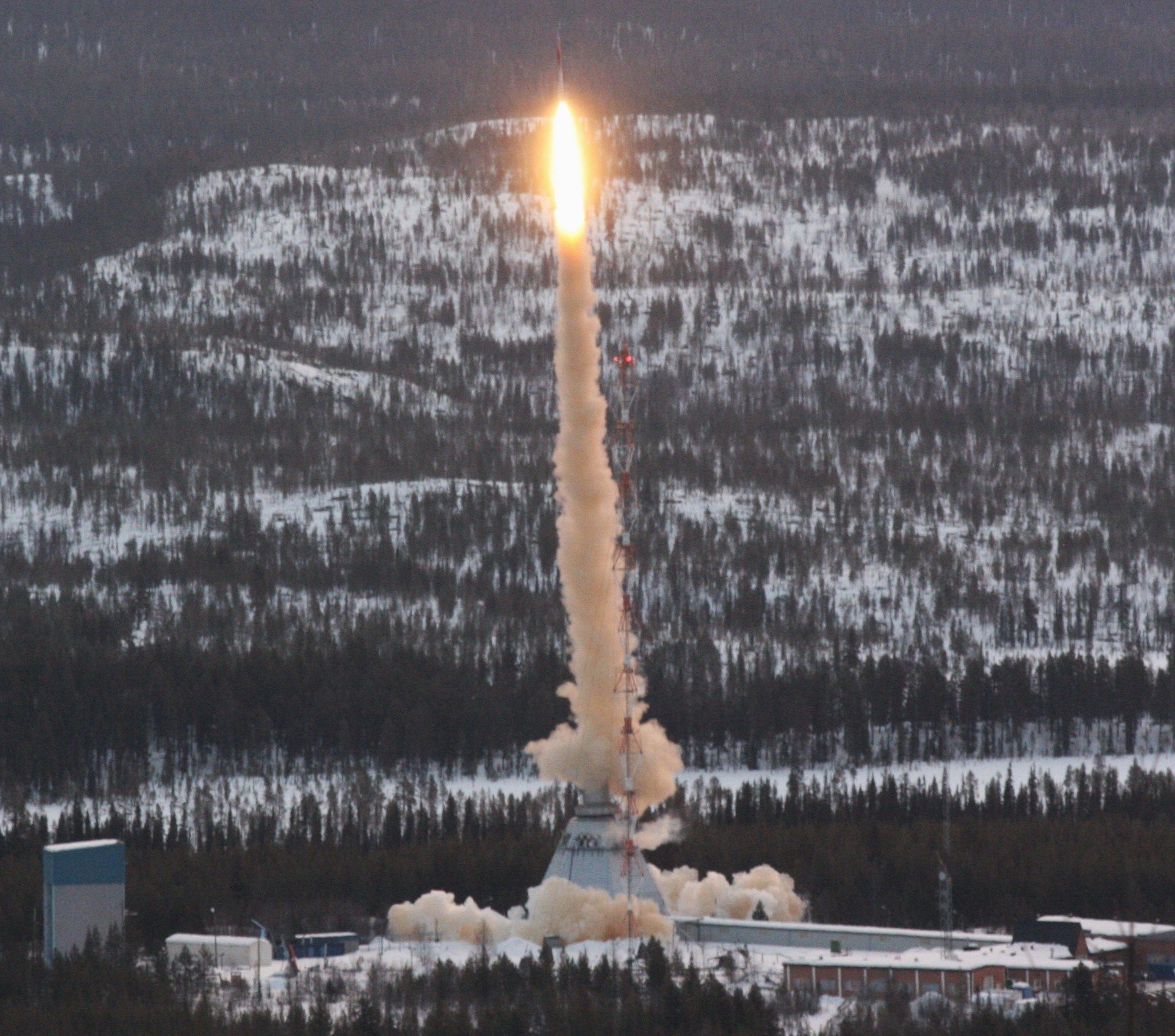 The TEXUS mission sounding rocket taking off in March 2011 from Kiruna, Sweden.