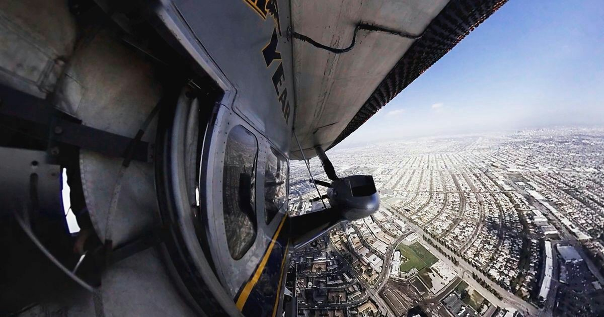 Climb aboard the Goodyear blimp for a final flight  #vr