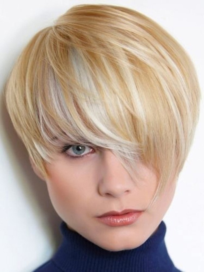 Latest Short Haircut for Round Face