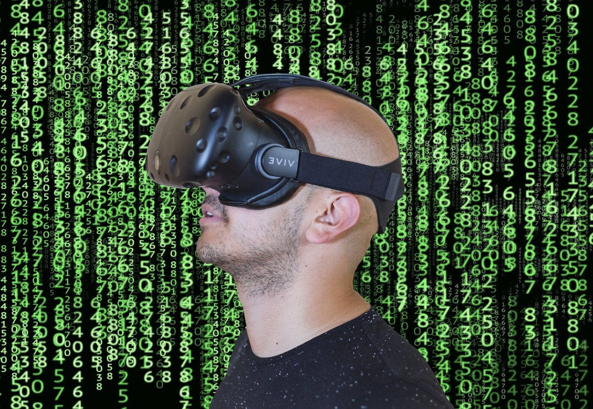 Tech Trends Report Augmented Virtual Reality HMD Smartglasses Market forecast Immersive Technologies