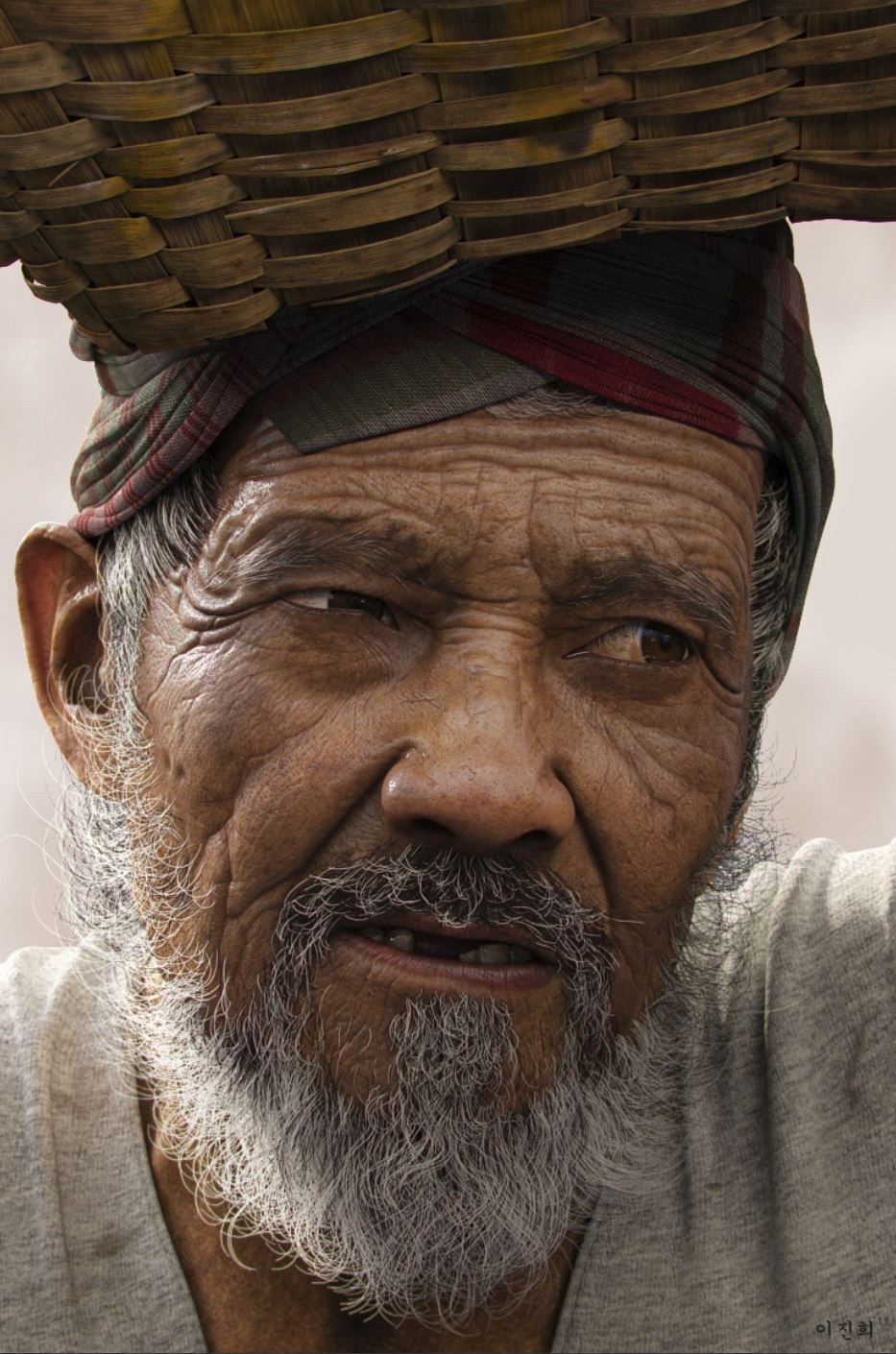 "A phenomenal photorealistic render: ""Oldman"" by Jin Hin Lee"