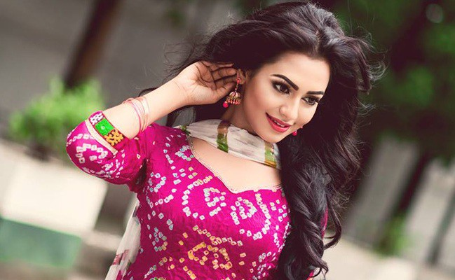 Nusraat Faria Biography, Height, Weight, Age, Affairs, Husband & Facts