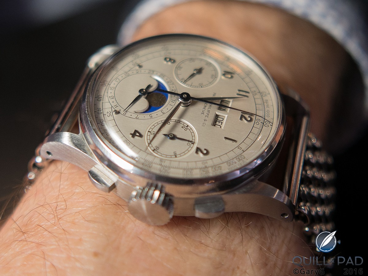 11 million Swiss francs on the wrist: a friend tries on the Patek Philippe Reference 1518 in stainless steel