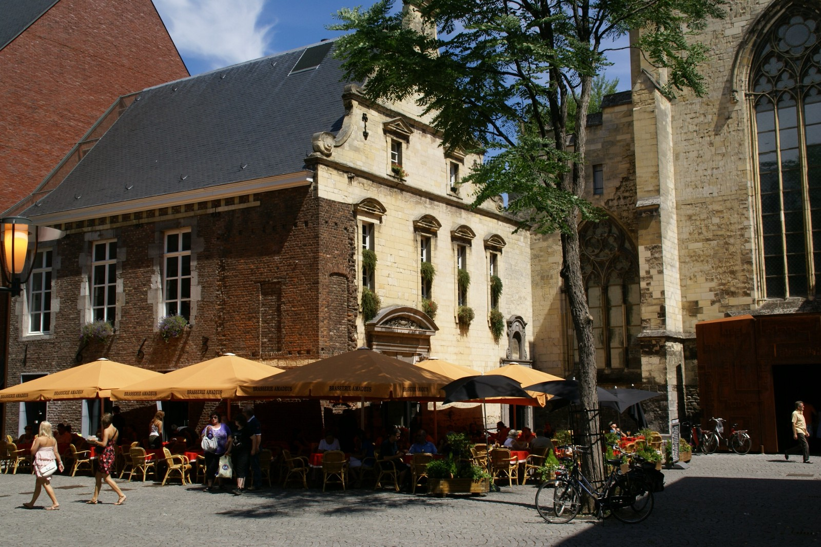 10 Student Friendly Cheap Eats That You May Not Know In Maastricht