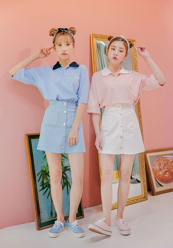 117b0bee3d3 Popular fashion trend in Korea. Twinning with your girlfriends without  actually looking like twins