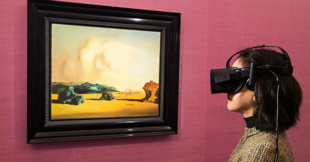 I used #VR to walk through a $10 million painting, and it was literally surreal  #mwc17