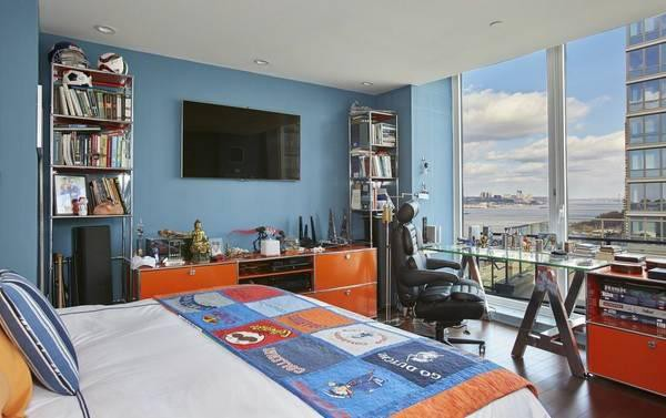 By Sharing A Space With One Roommate, A Luxury Apartment In SoMa Becomes  Available. Among The Listed Amenities At This Complex Are A Fire Pit, BBQ  Grills, ...