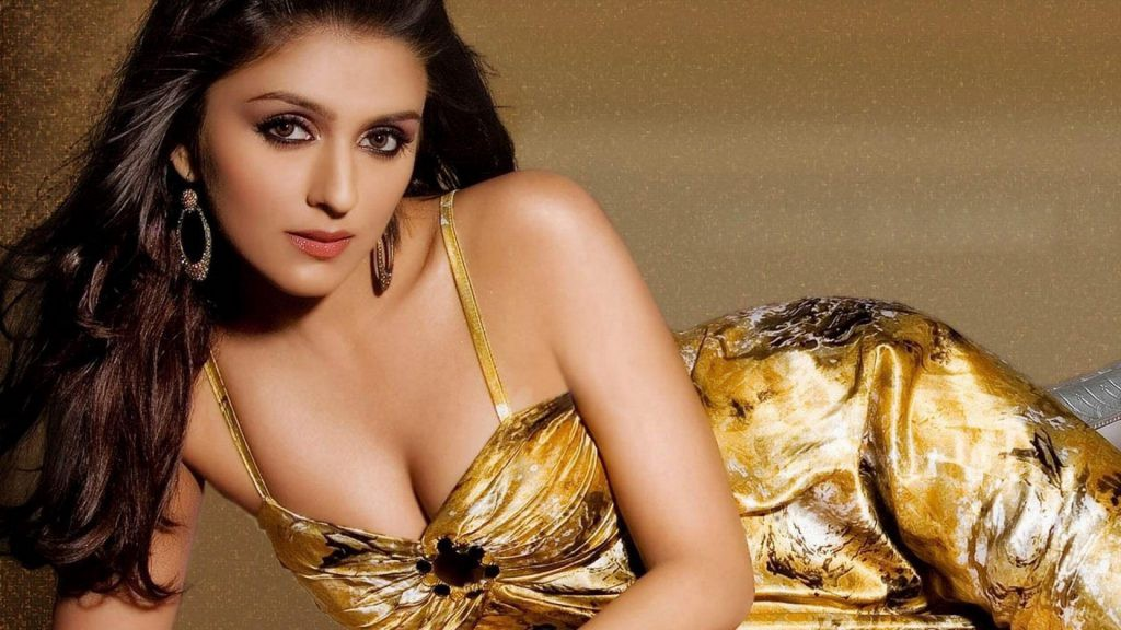Aarti Chhabria Height, Weight, Age, Affairs, Wiki & Facts