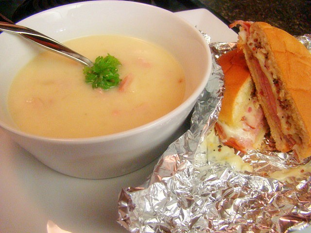 what-kind-of-sandwich-goes-with-potato-soup