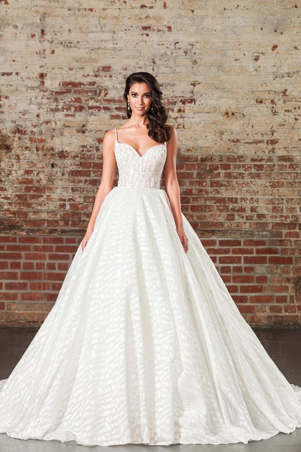 Style 9864 by Justin Alexander Signature — OrganzaSatinTulle V-neck ...