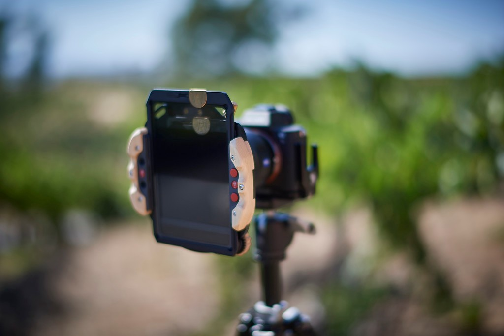 wine-country-camera-filter-holder-2