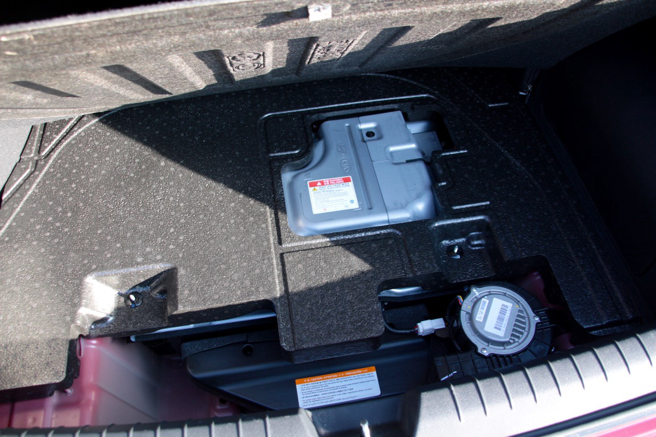 The battery of the 2016 Hyundai Sonata Hybrid now sits under the trunk floor
