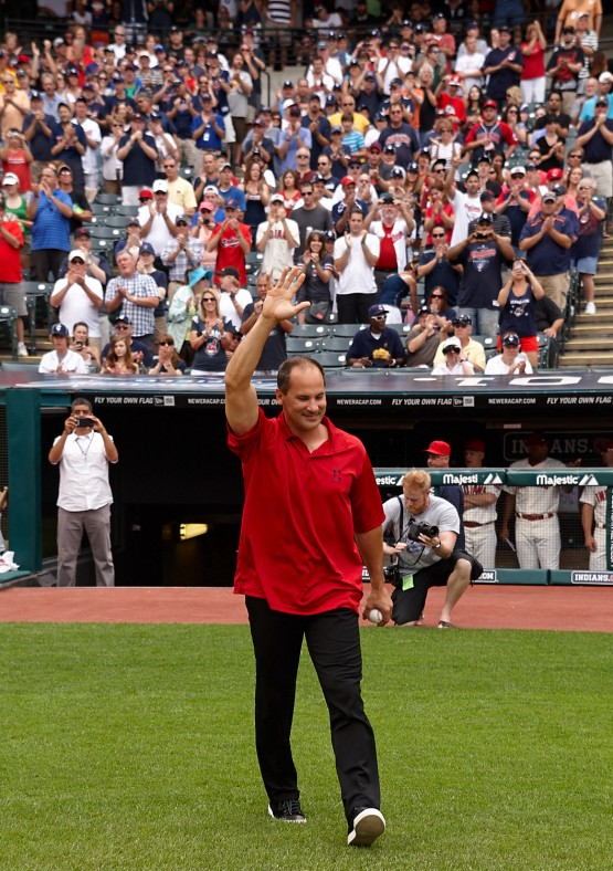 In return to Cleveland, Vizquel reflects on barehanded plays, chemistry of '90s teams