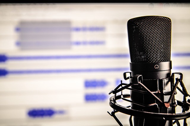 10 Podcasts Writers Should Be Listening To