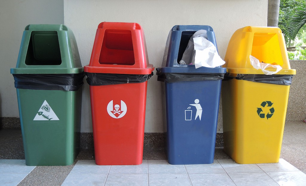 Litter Less How To Get Tenants To Use Trash Cans Trashcans
