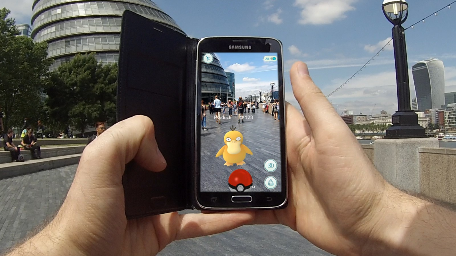 what is augmented reality? – noteworthy - the journal blog