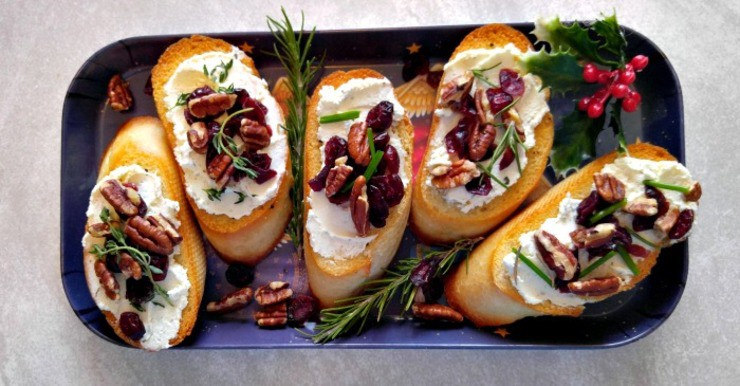 Cranberry pecan crostinis fb