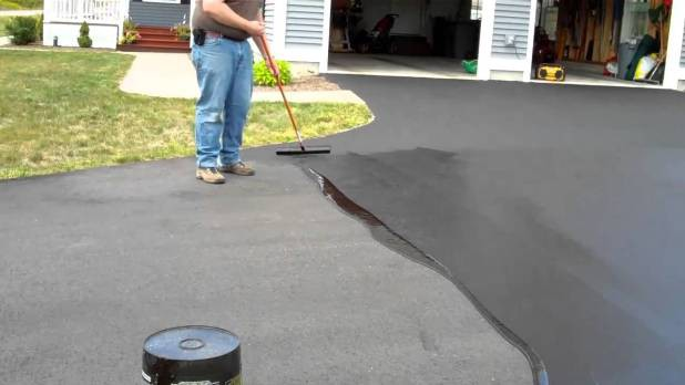 Top Benefits Of Sealcoating Your Asphalt Driveway In Long