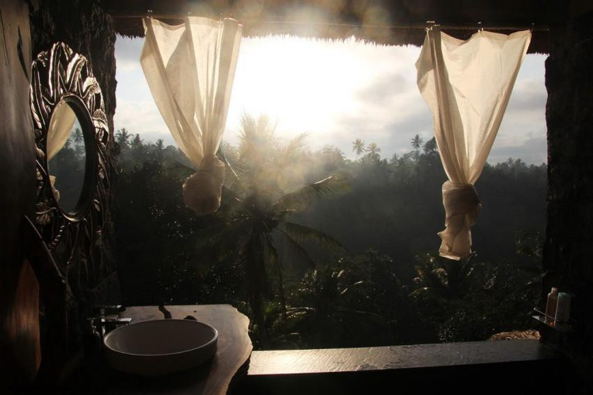 ecotourism or sustainable traveling makes you happy