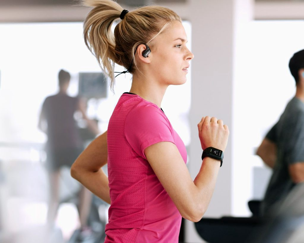 tomtom-wearable-bluetooth-headset