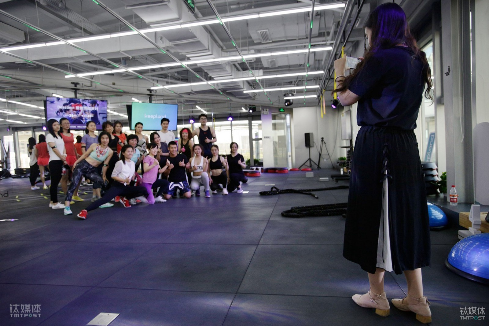 Keepland The Offline Gym Of Chinas Fitness App Keep Heartratenotesforbasiccircuittrainingjpg After Each Class Instructors Get Everyone Together To Take A Picture And Invite New Students Wechat Group Where Can Share Their