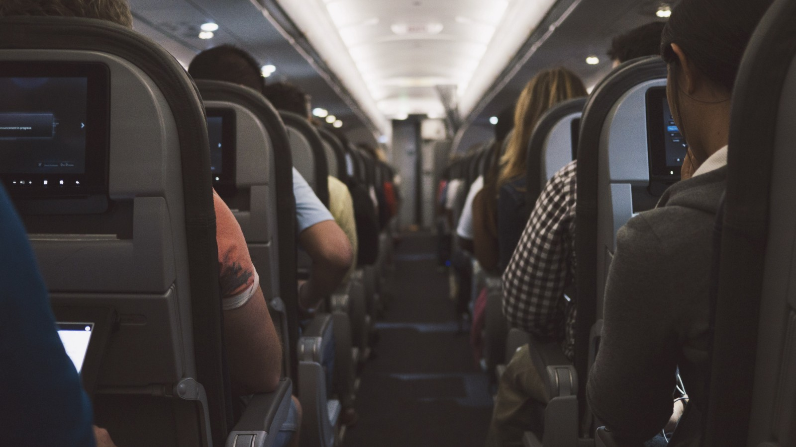 Long Haul Flight Tips: Airplane cabin